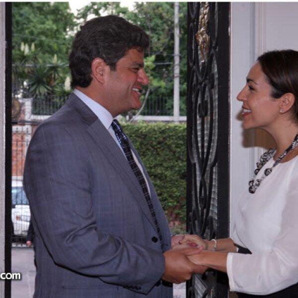 Isidoro Ambe,Cristina Pineda