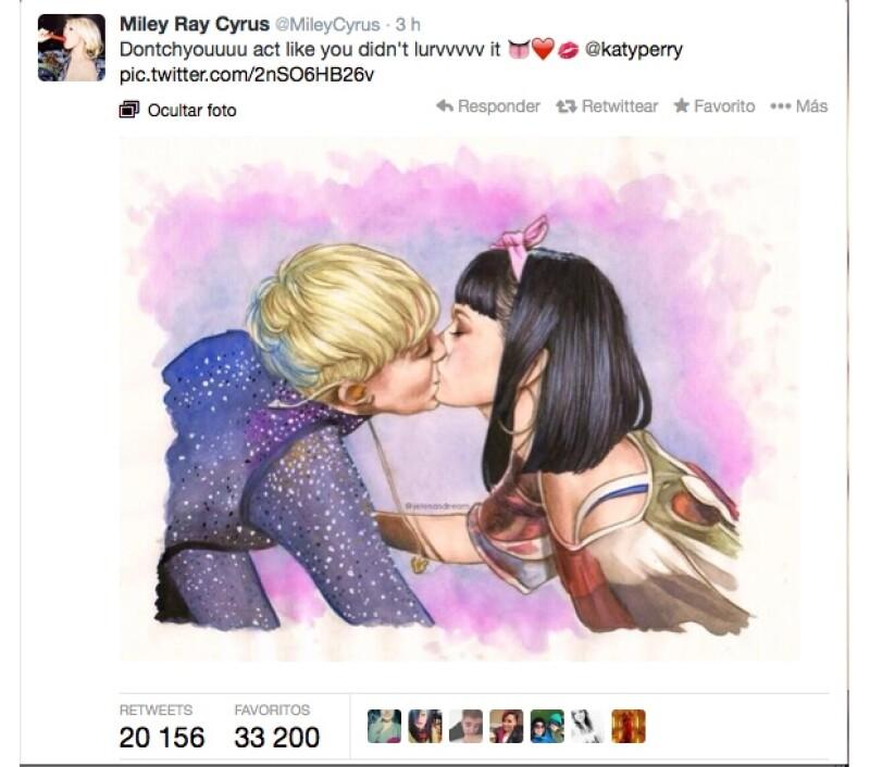 Miley no tuvo pudoer en hablar acerca del beso con su amiga en su cuenta de Twitter.