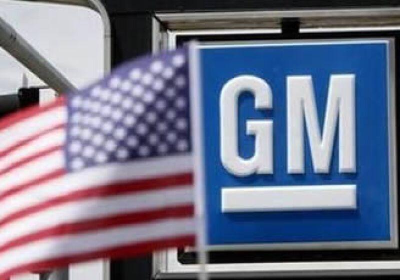 El estudio señala que cada puesto laboral en la producción de vehículos, motores, transmisiones y otros componentes impulsa a otros 10.5 trabajos en la economía estadounidense, de los cuales 3.2 son de la industria de proveedores.