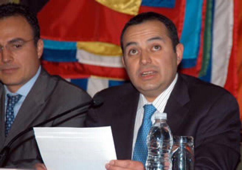 Ernesto Cordero mencionó que se invertirán 669,000 mdp en infraestructura para 2011. (Foto: Notimex)
