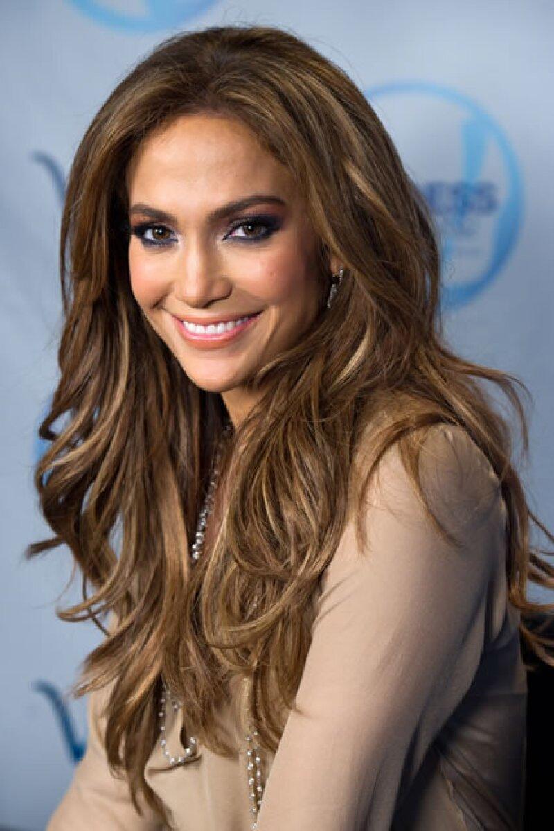 `Casi nunca me quedo sin palabras, pero me siento honrada´, dijo Jennifer Lopez a People tras ser elegida como la número uno de la lista.