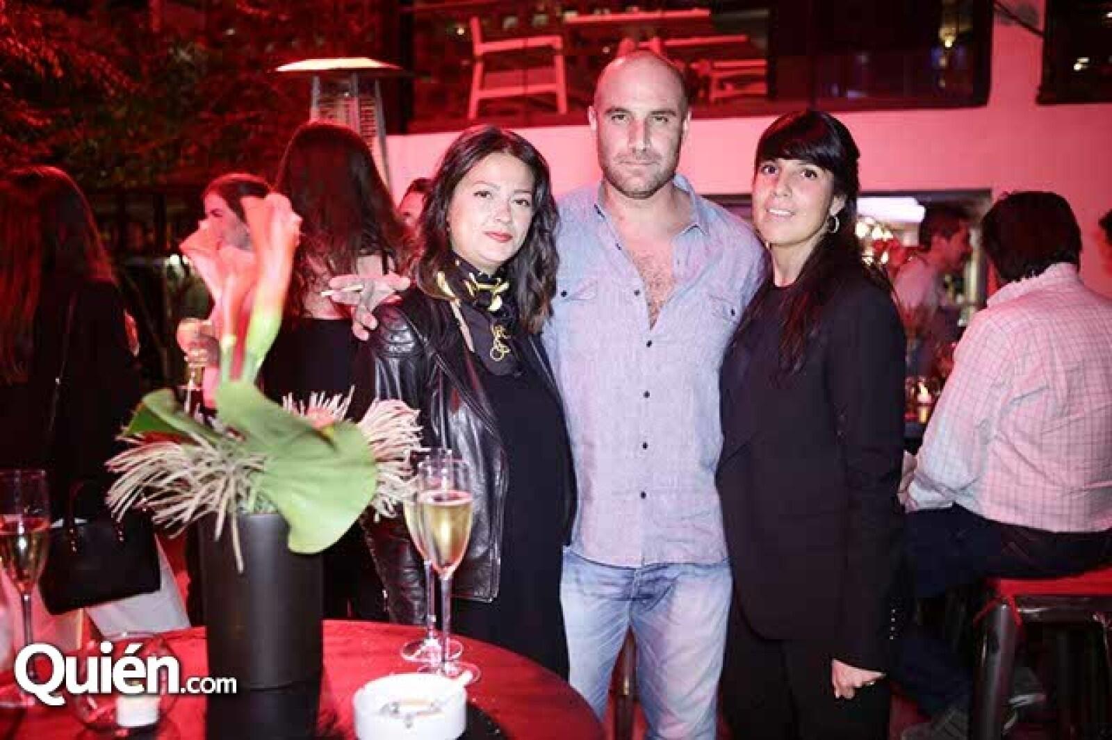 Elly Van Os,Rafael Museri y Roxana Rabinovich