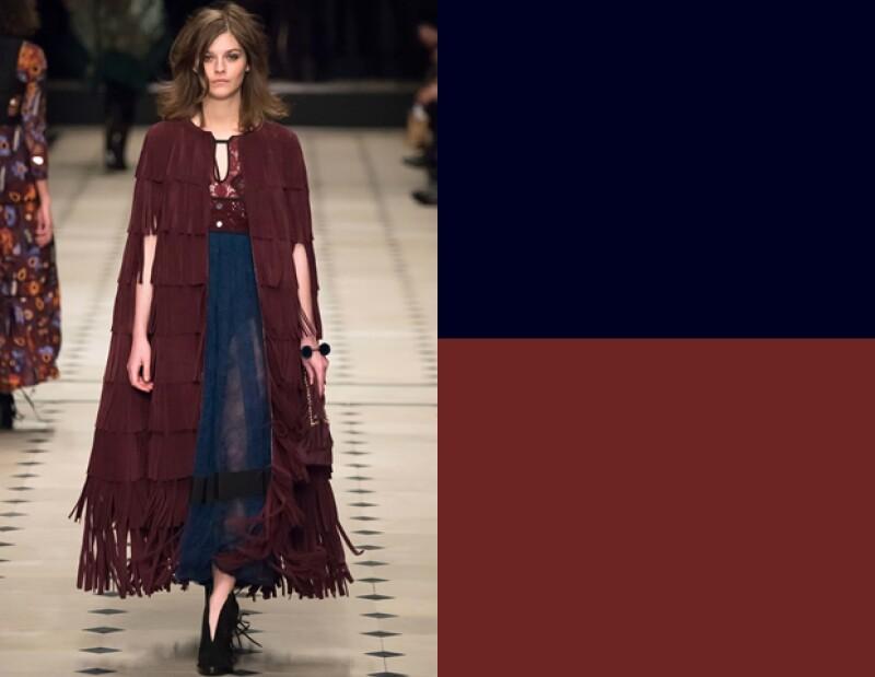 Burberry en su afán de crear looks bohemios, por lo que el color borgoña era importante en su colección.