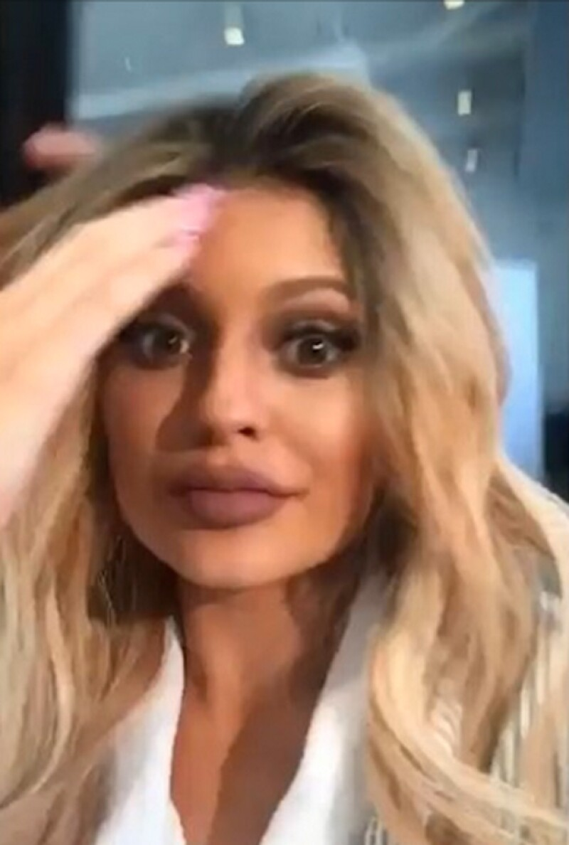 """Kylie ha causado sensación en las redes sociales con su nuevo look, que no ha sido del agrado para todos, pues algunos argumentan que """"ha ido demasiado lejos"""" con éste."""
