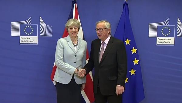 La Comisión Europea y el Reino Unido pactaron los términos de su divorcio
