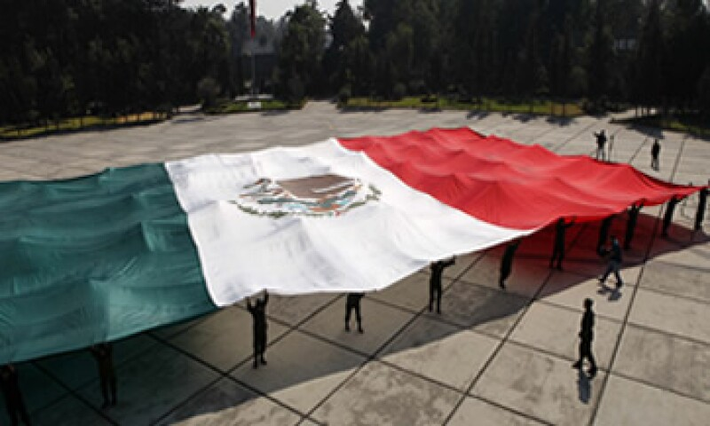 La agencia Moodys aseguró que no rebajará la nota de México mientras tenga altas reservas internacionales. (Foto: AP)