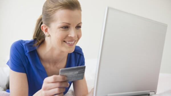 El 57% de los comercios en línea usan perfiles y publicidad en sitios como Facebook, Twitter y Youtube.  (Foto: Getty Images)