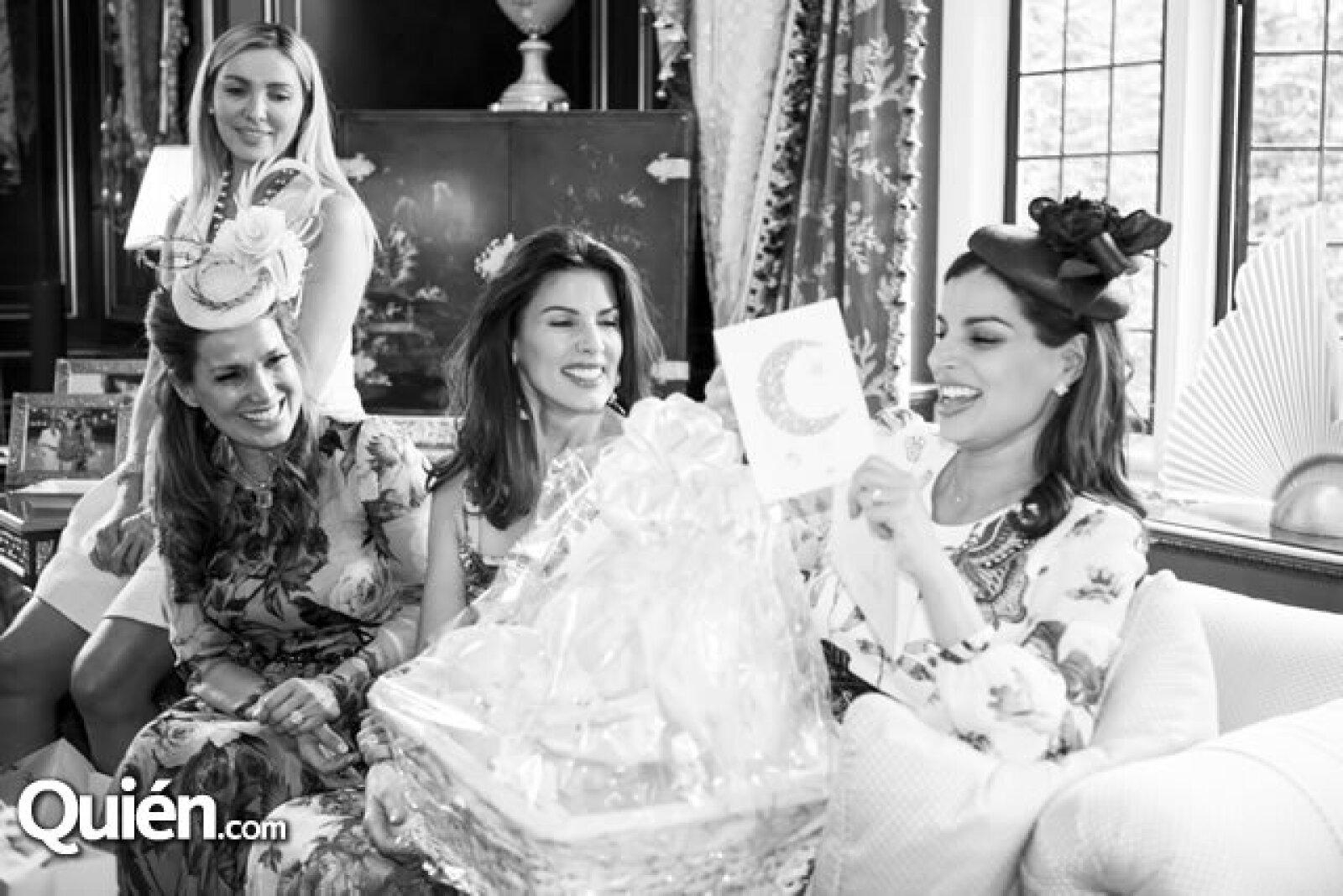 Nuria Carte,Sonia Falcone, Christina Estrada y Bárbara Coppel