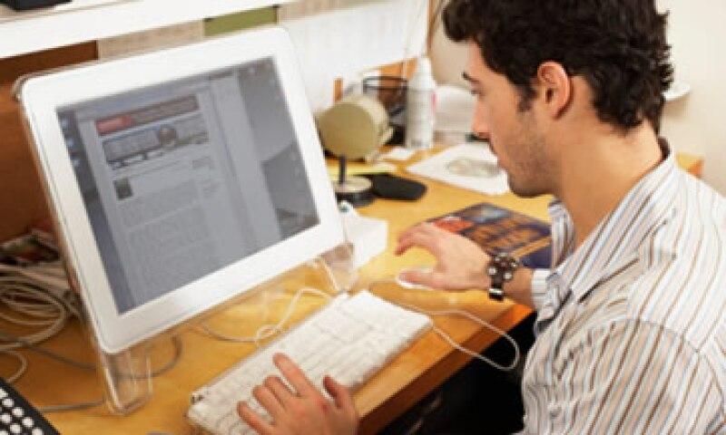 La búsqueda de empleo por Internet ha crecido a tasas de 40 a 50% en los últimos años en México. (Foto: Thinkstock)
