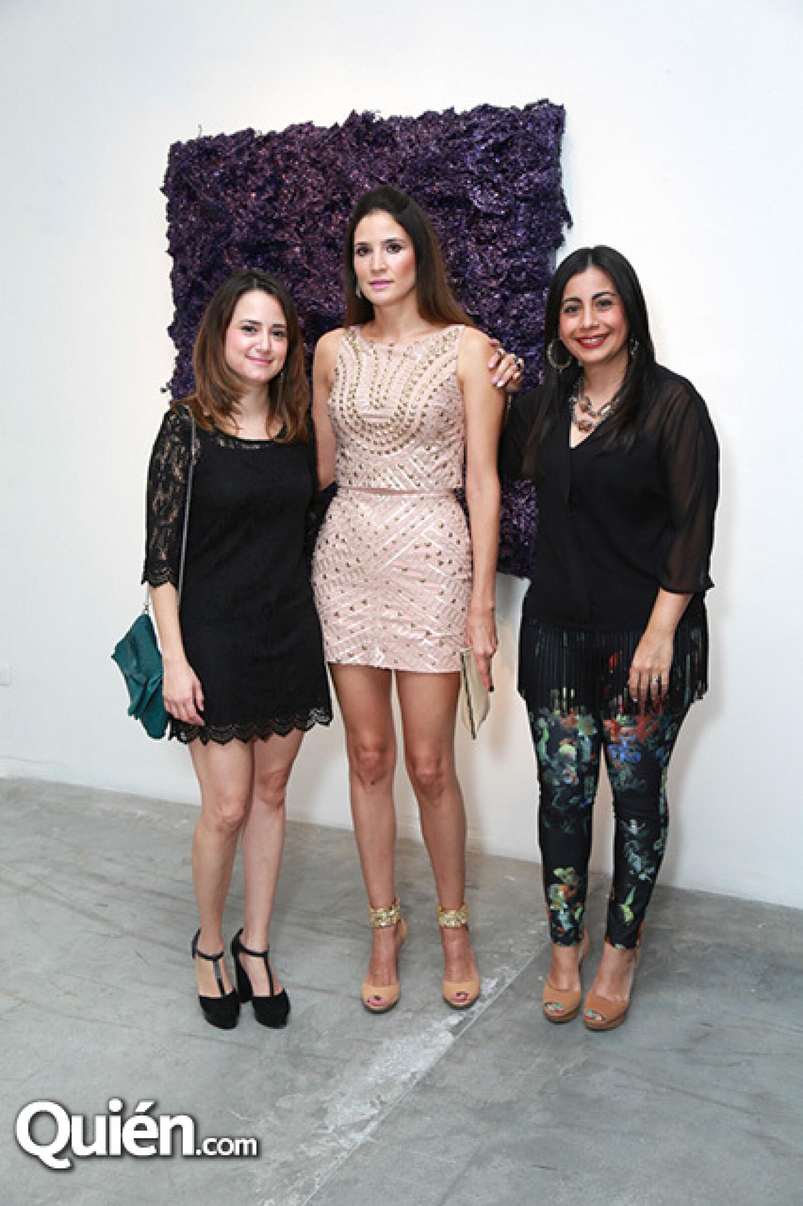 Cecilia González,Yolanda Santos y Paola Balderas de Álvarez