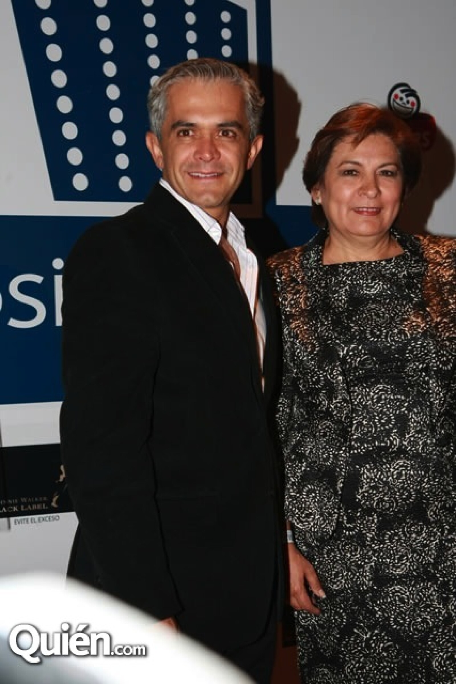Los candidatos al gobierno del DF, Miguel Ángel Mancera e Isabel Miranda de Wallace