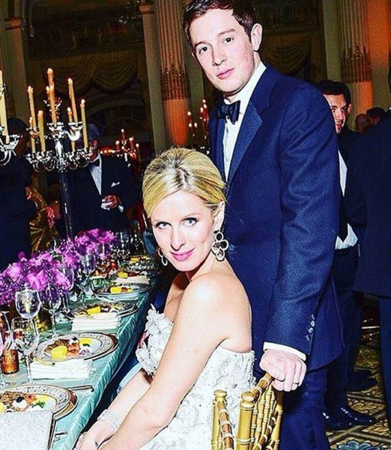 Nicky Hilton y su esposo James Rothschild esperan a su primer hijo para julio.