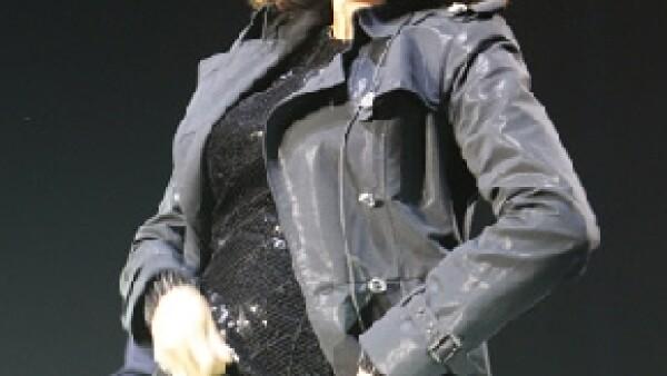 La cantante dijo que en esta temporada se le disparan las alergias, explicó que se siente fenomenal y calificó de `ridículos´ los rumores sobre su regreso a las drogas.