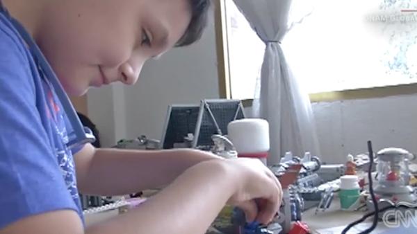 A sus 12 años, Carlos Santamaría estudiará Física Biomédica en la UNAM