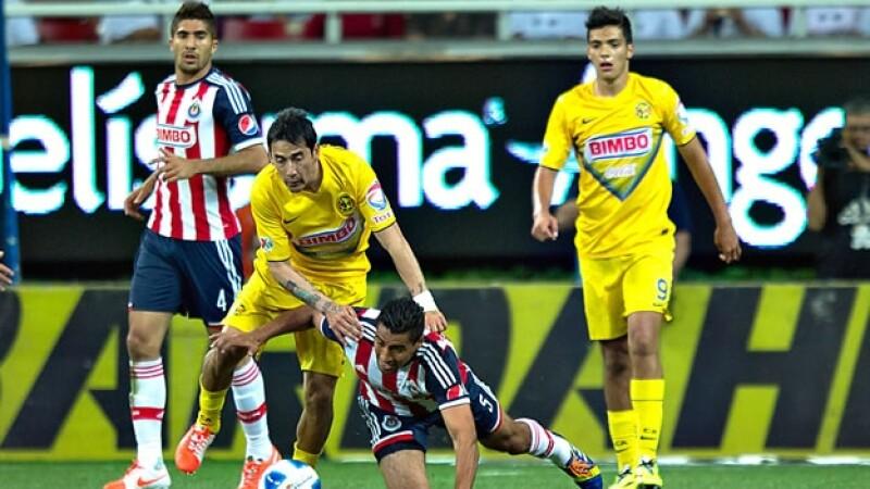 Las Águilas del América y las Chivas de Guadalajara se medirá en otra edición del clásico nacional el 1 de noviembre en el estadio Azteca