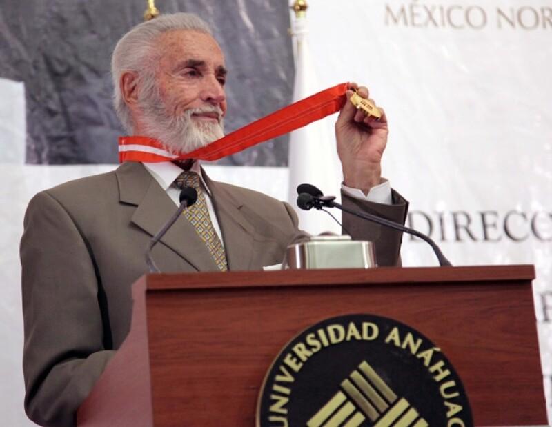 Julio Alemán se dijo muy agradecido por haber recibio este reconocimiento.