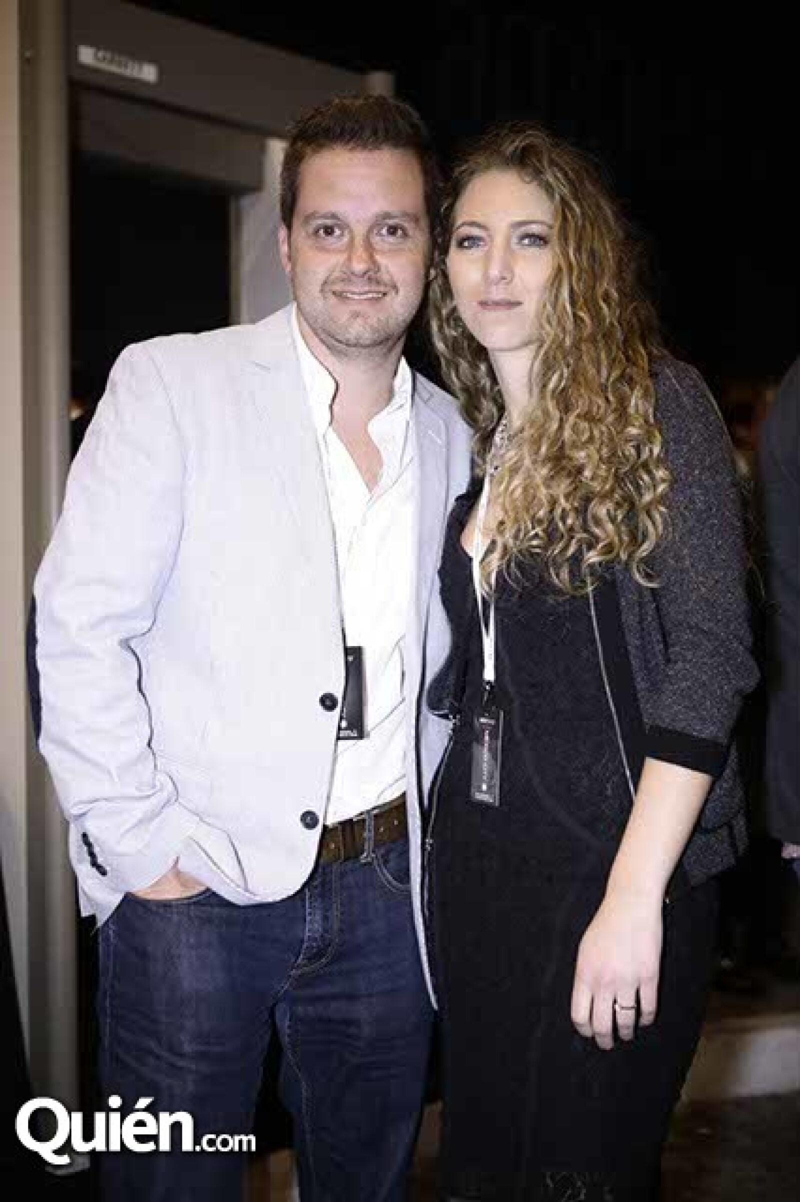 Mario Cruz y Estefania Verasa