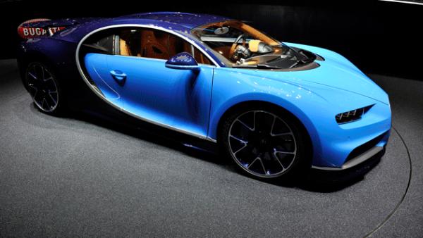 1. Bugatti Chiron. Es el auto más veloz del mundo gracias a sus 1500 hp.
