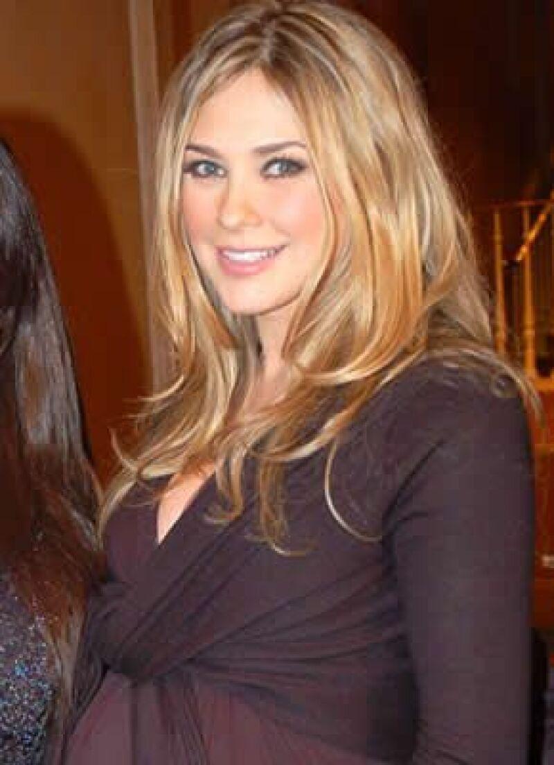 Será transmitido el próximo sábado en su programa Viva la Familia, la acompañarán artistas y amigas embarazadas.