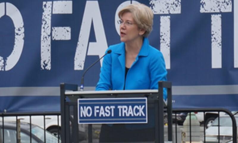 (Foto: Elizabeth Warren quiere que los bancos sean excluidos de participar en la especulación financiera. (Foto tomada de elizabethwarren.com ) )