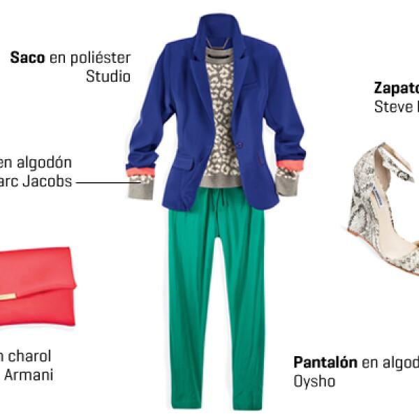 Un suéter estampado y pantalón de algodón adquieren formalidad si los acompañas con un blazer. Para complementar este outfit te sugerimos zapatos tipo wedge y una cartera de mano en color llamativo que contraste con los colores de las prendas. Te sentirás