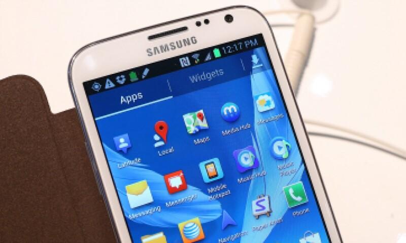 Los teléfonos podrían verse afectados por un hackers debido a un error en el software. (Foto: Getty Images/ Archivo)