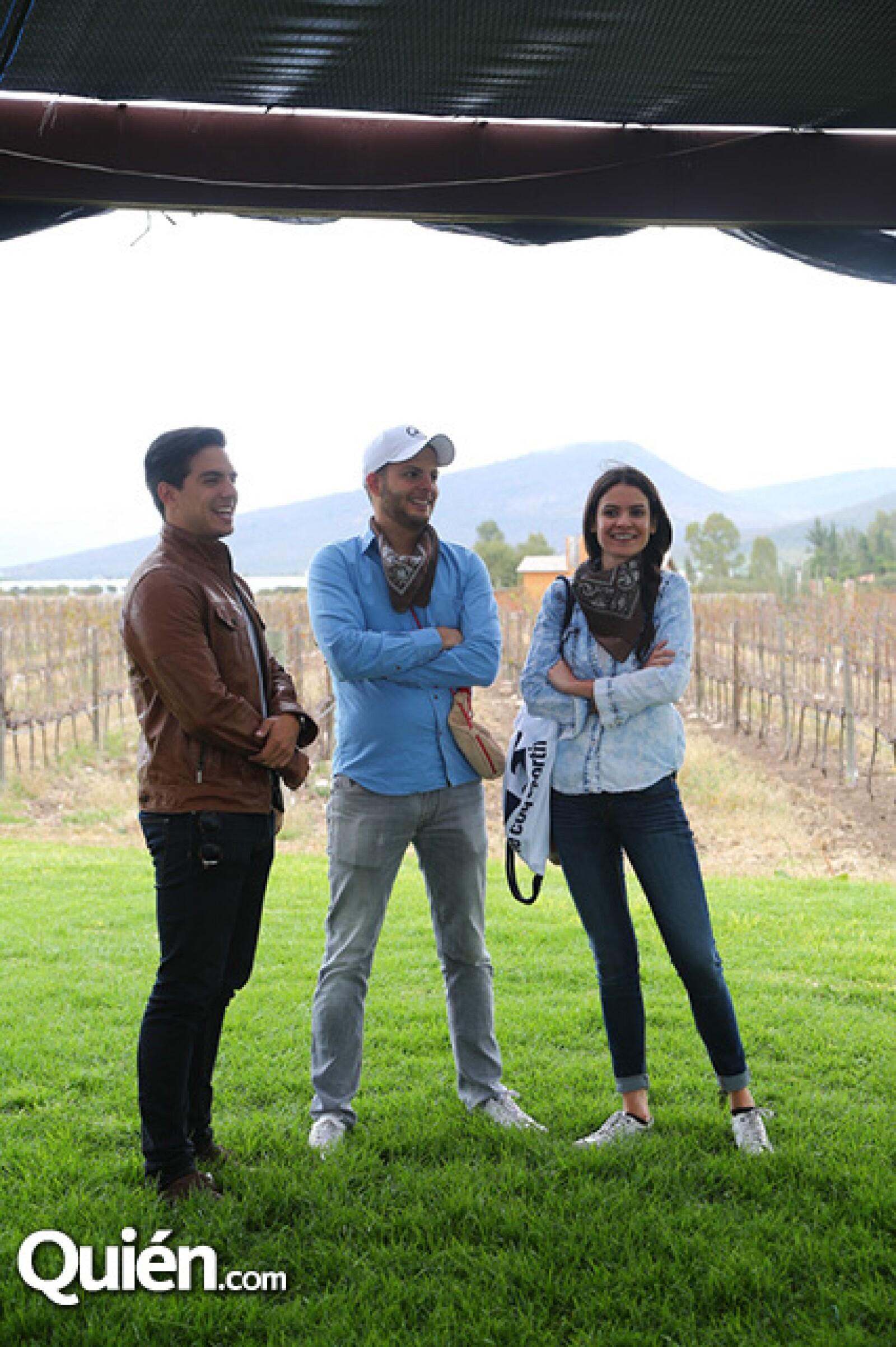 Vadhir Derbez,Julio Vallado y Maby Navarro