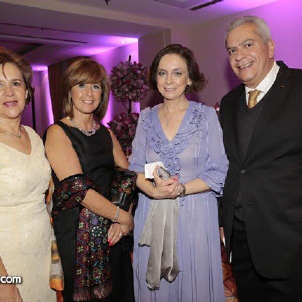 Melanie Ruíz,Cindy Brown,María Dolores Mijares,Armando López