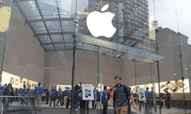 Analistas prevén que Apple ingrese 33,000 mdd en su último trimestre fiscal. (Foto: Reuters)