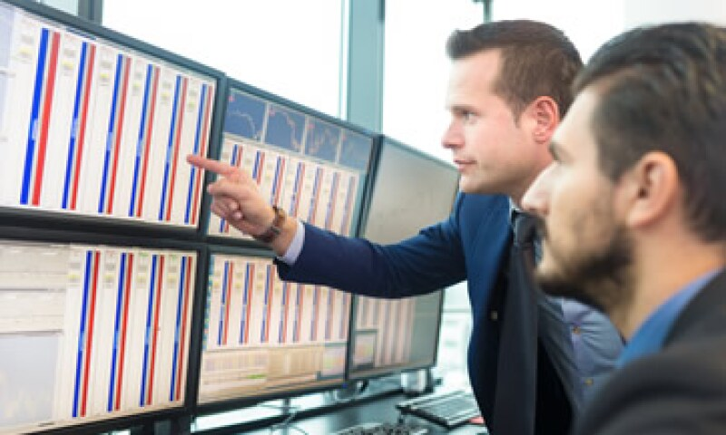 Este lunes el Dow se desplomó 1,000 puntos. (Foto: Shutterstock )