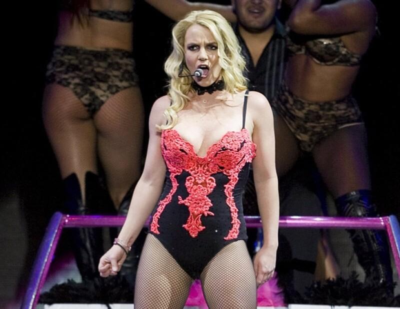 Britney Spears cantó la mayoría de temas con playback.