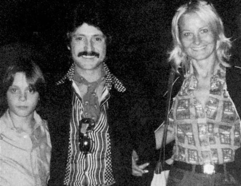 Luis Miguel con sus padres, Luisito Rey y Marcela Basteri, cuando el cantante ya era toda una estrella.