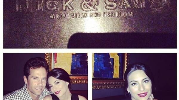 Mediante su cuenta de Instagram, la actriz compartió una tierna foto de ella con Alejandro Amaya disfrutando de una velada en un restaurante de Dallas, Texas.