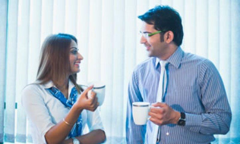 El café es un estimulante del sistema nervioso central que ayuda al empleado a mantener altos sus niveles de alerta. (Foto: Getty Images)