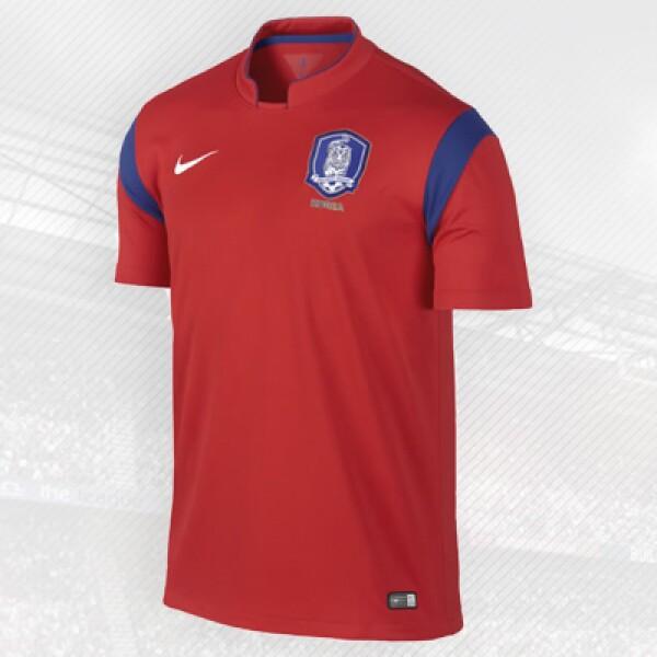 Los coreanos son patrocinados por Nike, que postó por esta sencilla y elegante playera.