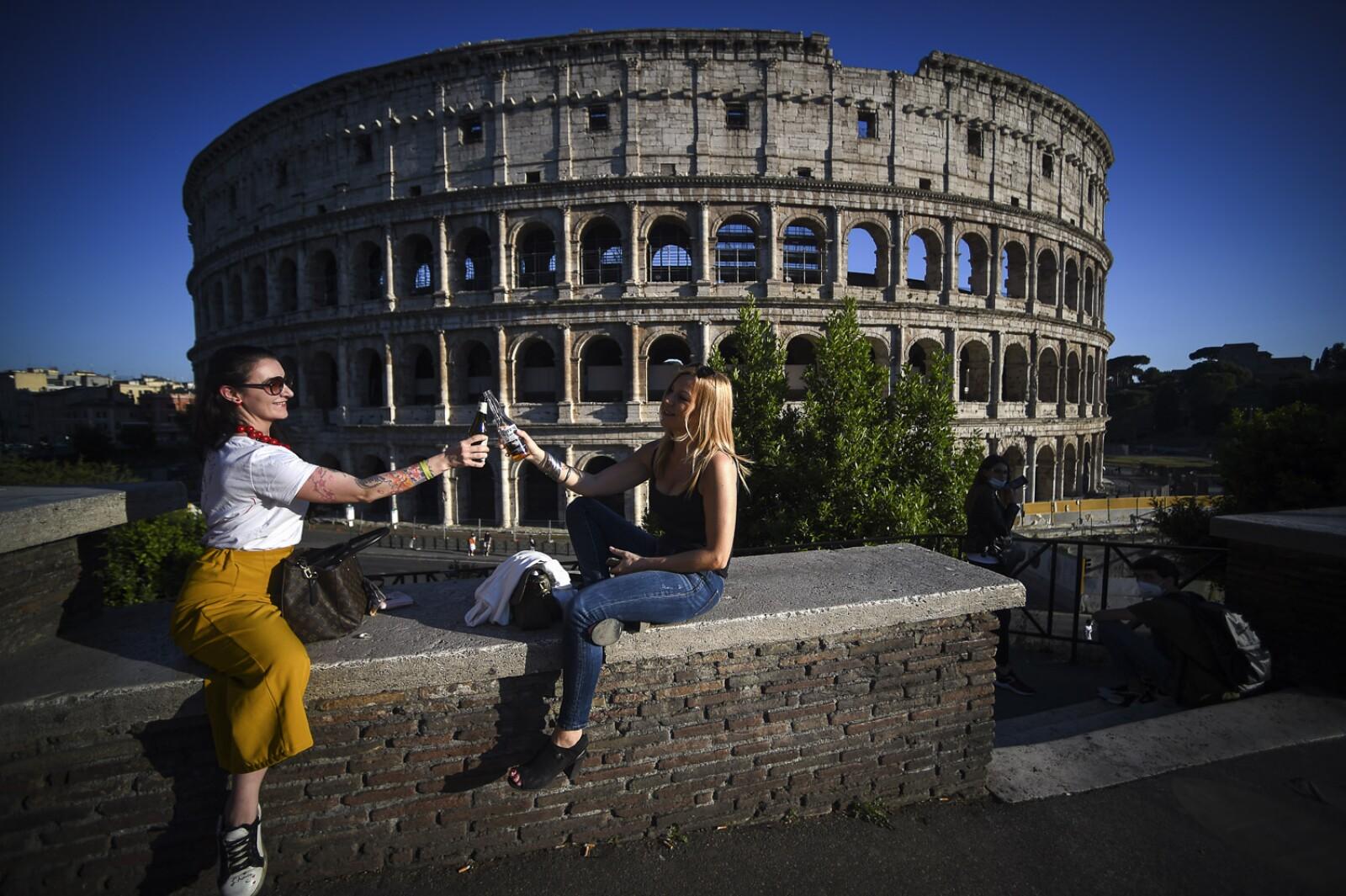 ITALY-HEALTH-VIRUS-NIGHTLIFE