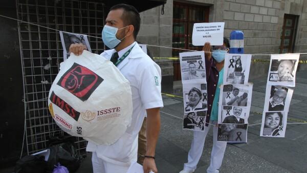 Protesta médicos Palacio Nacional