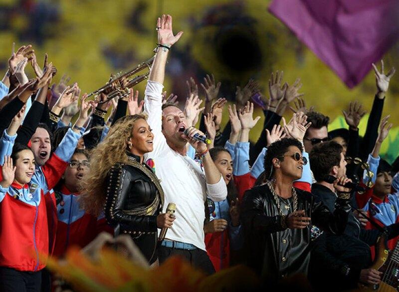 Beyoncé, Coldplay y Bruno Mars se reunieron en el halftime show.