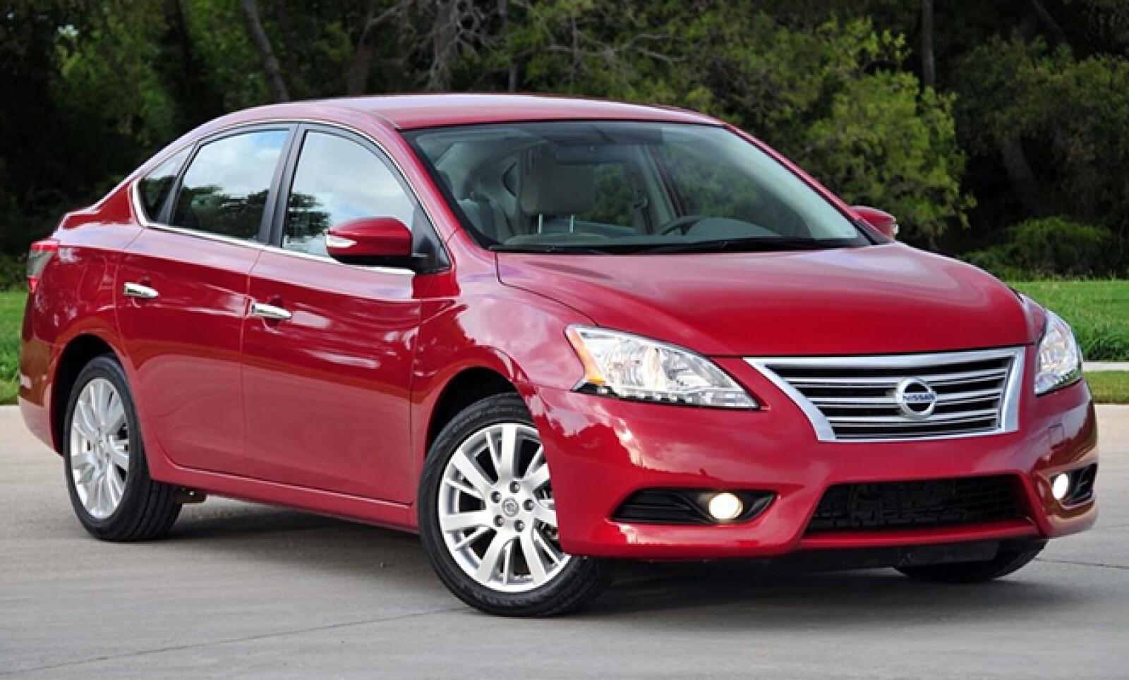 El modelo Sentra de Nissan presenta un defecto en el software que activa las bolsas de aire.