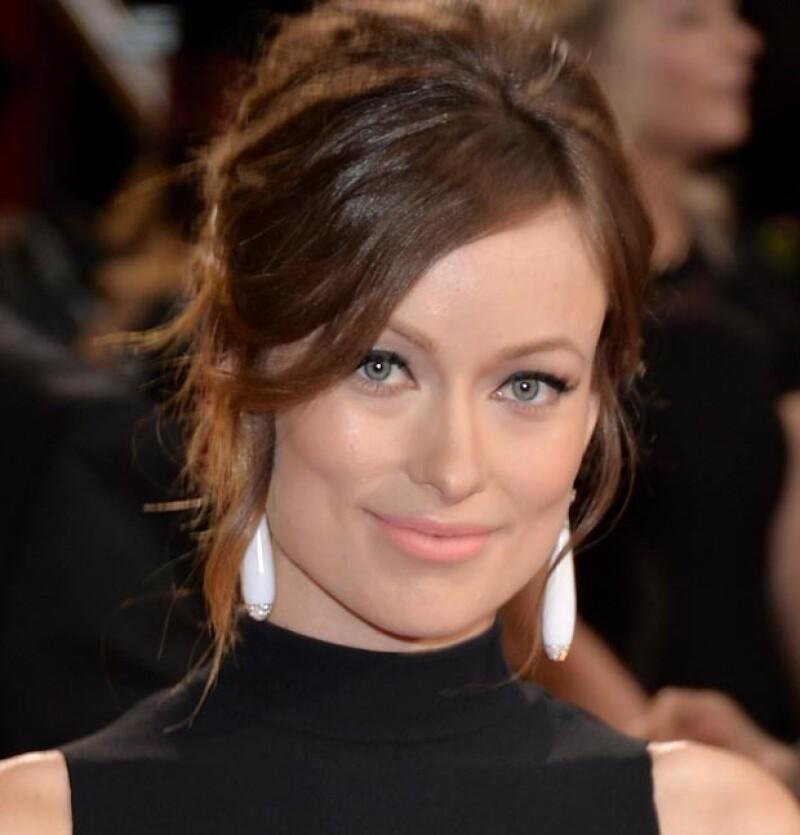 Olivia es otra de las famosas que posee un rostro tan bello que no requiere de mucha producción.