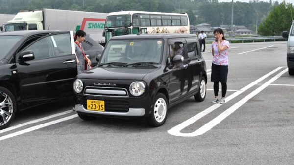 Predominan los autos compactos, con l�neas m�s cuadradas en el exterior.