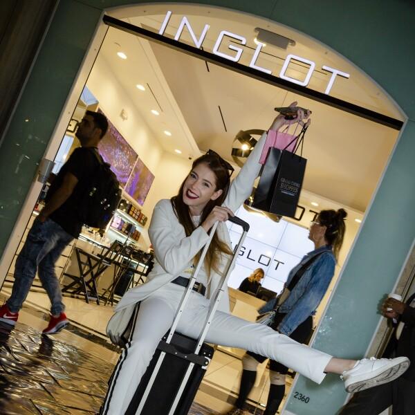 ana-mireles-inglot-canal-shoppes.jpg