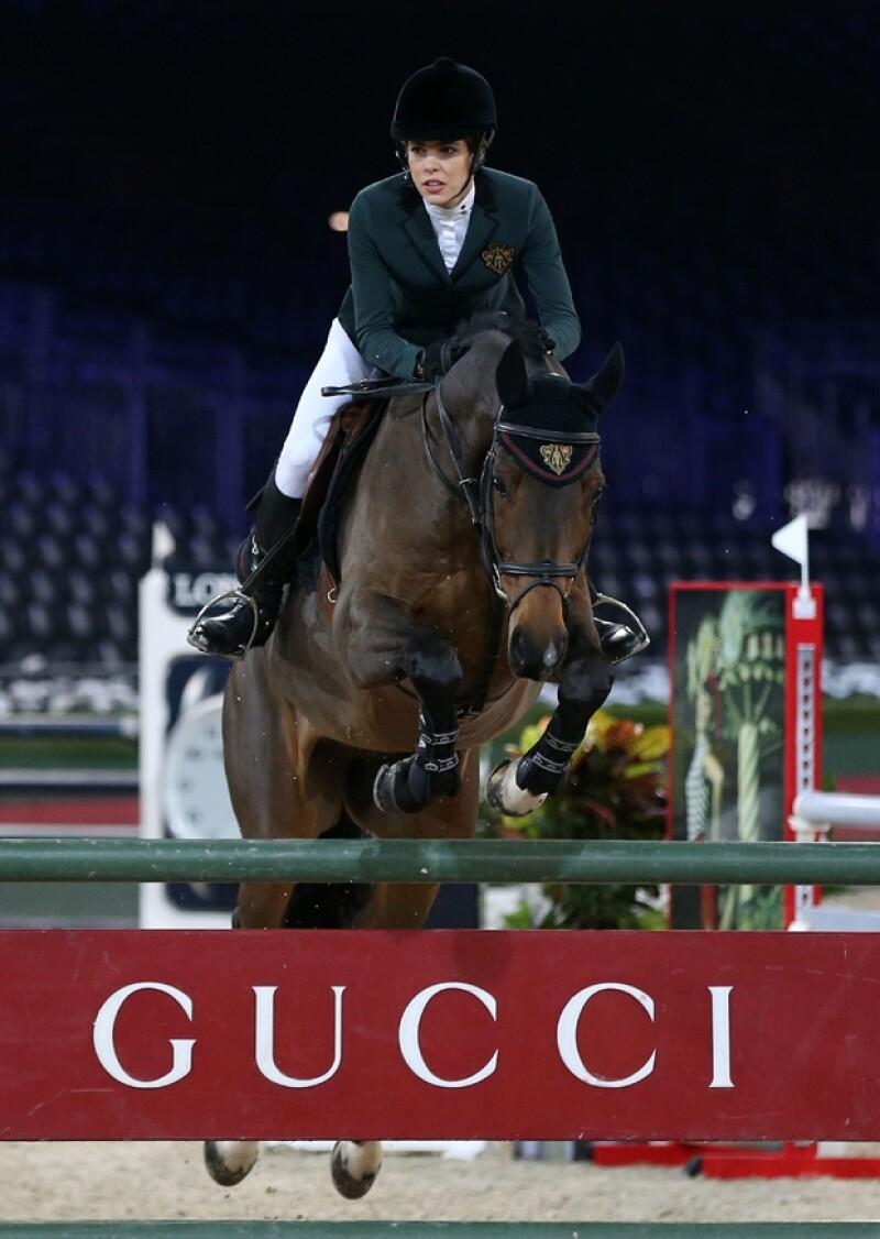 La hija de Carolina de Mónaco asistió a la competencia de salto &#39Gucci Masters&#39 hoy en París, retomando su pasatiempo favorito.