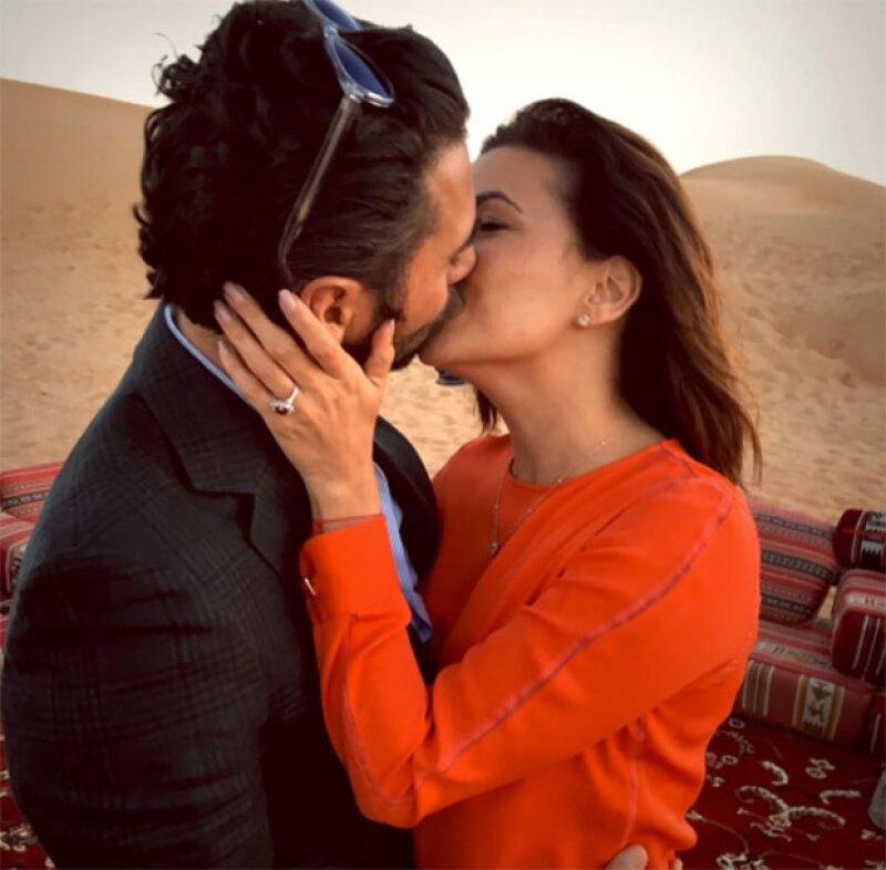 Con esta foto Eva anunció su compromiso con Pepe Bastón.