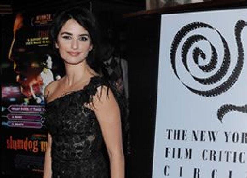 La actriz española dedicó el reconocimiento de mejor actriz de reparto al director Woody Allen.
