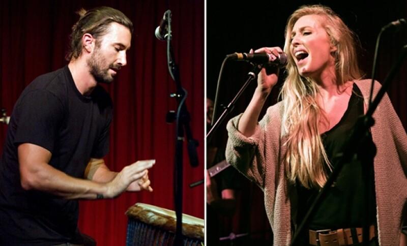 Brandon mostró su admiración por su guapa esposa, y es que cantan juntos desde hace varios años.