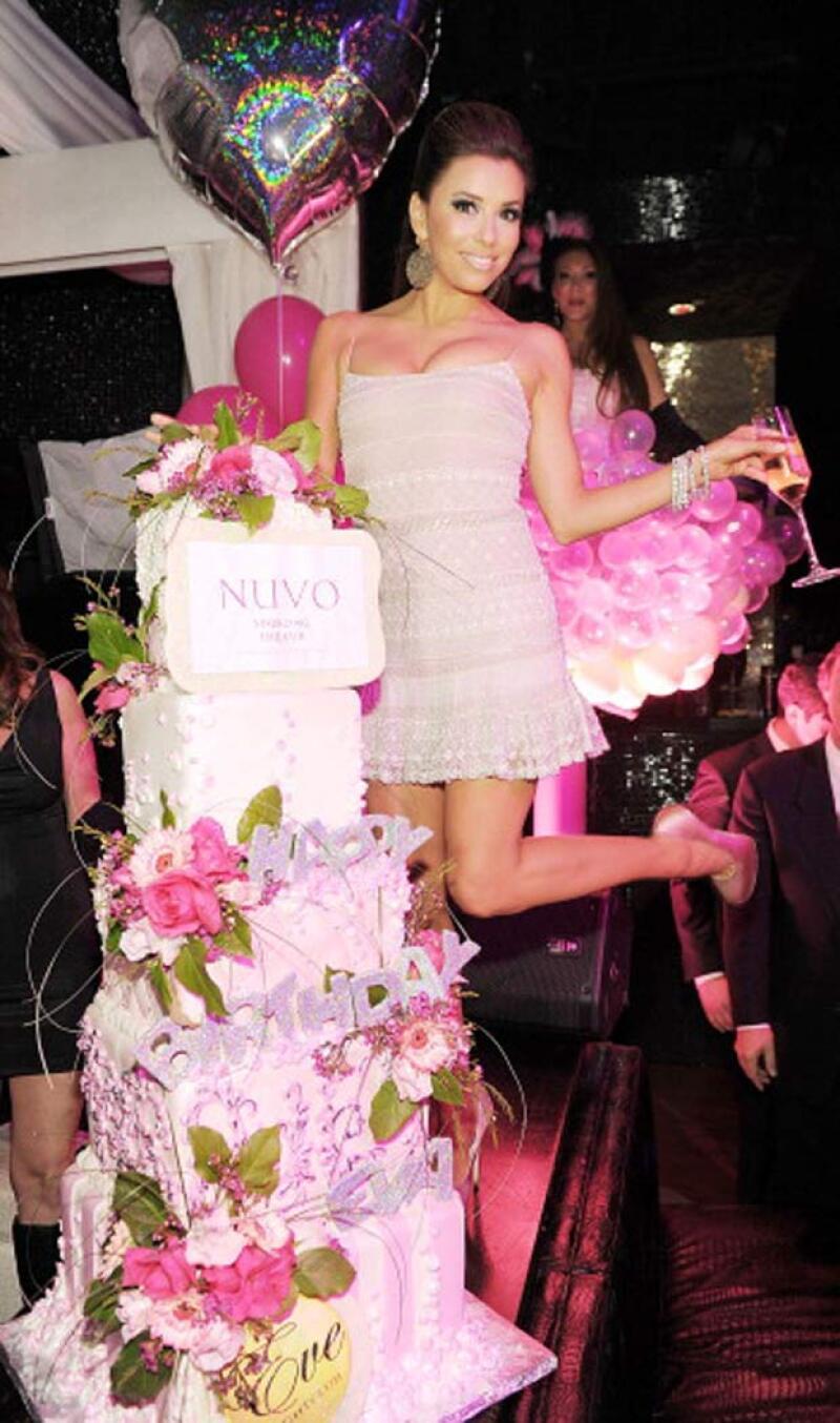 Con un mega festejo en un club de Las Vegas fue como celebró Eva su cumpleaños número 36, por lo que nos preguntamos qué tendrá planeado para sus 40 años.