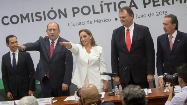 El exdirigente de ese partido político, Manlio Fabio Beltrones, tomó protesta como secretario general del partido a Rubén Moreira.