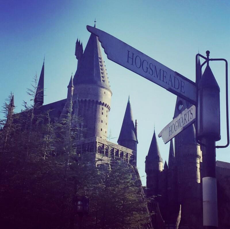 La familia no perdió la oportunidad de recorrer el mundo de Harry Potter en los Universal Studios.