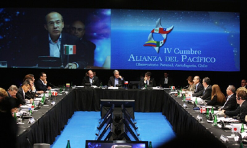 Felipe Calderón dijo que se está detonando una de las regiones más importantes probablemente de Asia-Pacífico. (Foto: Notimex)